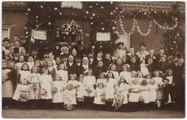 006017 - Gouden bruiloft van het echtpaar Adrianus Verhoof en Maria Theresia van Ierland. (1862-1912)