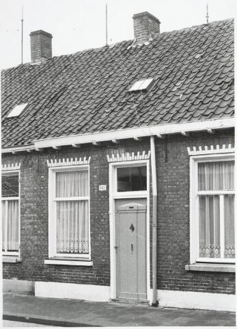 032919 - Voorgevel van het pand aan de Stevenzandsestraat 142