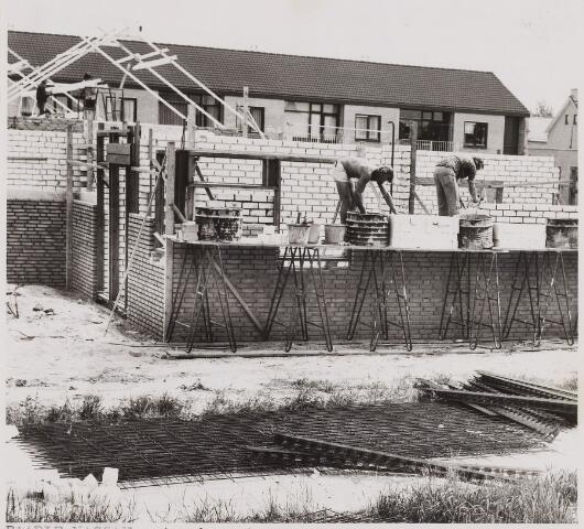 084468 - Woningen. Nieuwbouw acht bejaardenwoningen