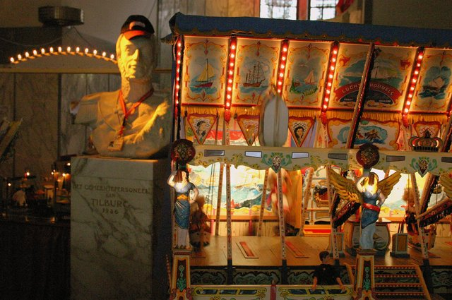 657113 - Tilburg Kermis. De kermis expo van stichting Kermis-Cultuur in het Paleis-Raadhuis in 2006. Hier is onder andere een miniatuur kermis te zien.