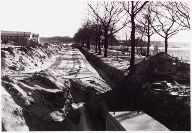 025428 - Aanleg van stadsverwarming aan de Langendijk begin 1982