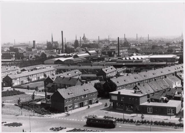 "036696 - Panorama van Tilburg vanaf de torenflat ""Vredeburcht """