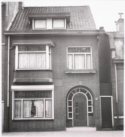 032287 - Voorgevel van het pand aan de Paleisstraat 6, thans Stadhuisplein