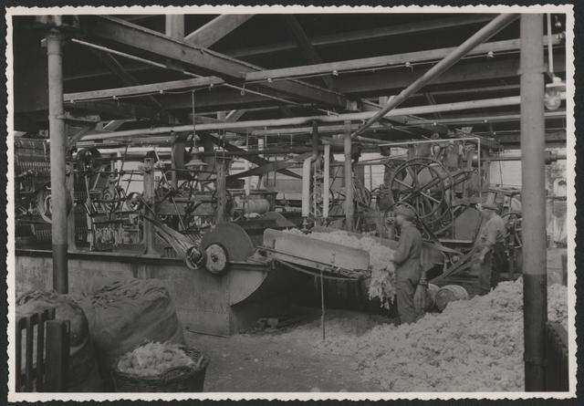 653255 - Wolhandel Wouters, Tilburg. Opname in de wollenstoffenfabriek.