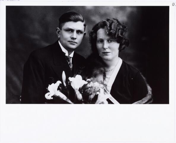 007442 - Petrus Adrianus de Leuw, timmerman geb. Tilburg 22-10-1907 gehuwd te Tilburg 5-7-1932 met Anna Cornelia Adriana Coolen, geb. TTilburg 21-1-1909 woonde Hasseltstraat nr. 98 Tilburg