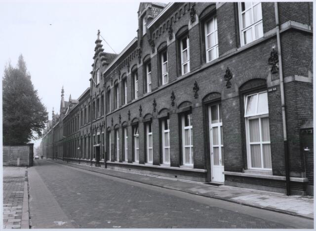 027554 - Oude Dijk. Kloostercomplex uit de 19e eeuw van de congregatie van de Zusters van Liefde van O.L.V. Moeder van Barmhartigheid.