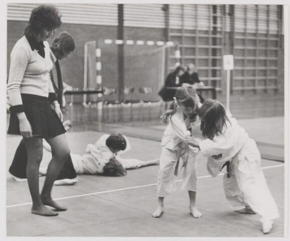 082062 - Judo. Clubwedstrijden van judovereniging Ri-Jen