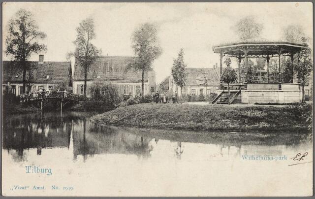 010265 - Noordzijde van het Wilhelminapark met vijver en muziekkiosk.