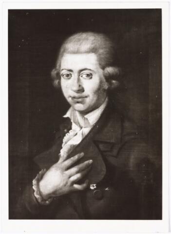 008358 - Schilderij. Zelfportret van de beroemde bloemenschilder Gerard  van SPAENDONCK (Tilburg 1746 - Parijs 1822), gemaakt omstreeks 1770.