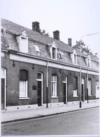 023773 - Panden Koestraat 43, 45 en 47 (van rechts naar links) eind 1962