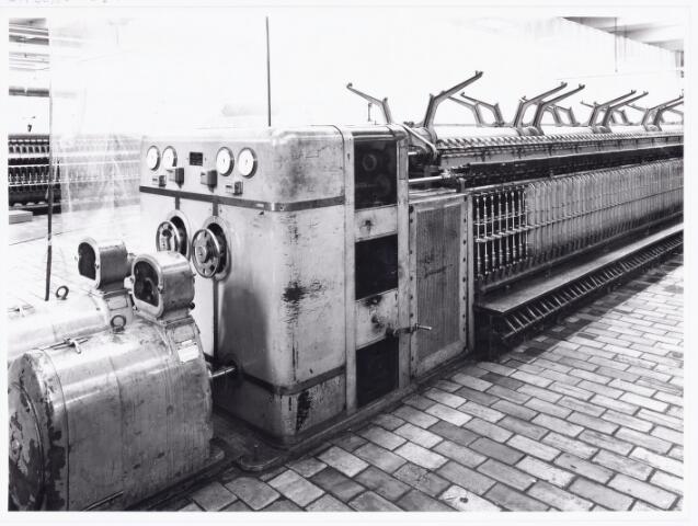 038047 - Textielindustrie. Interieur van de wollenstoffenfabriek André van Spaendonck en zonen