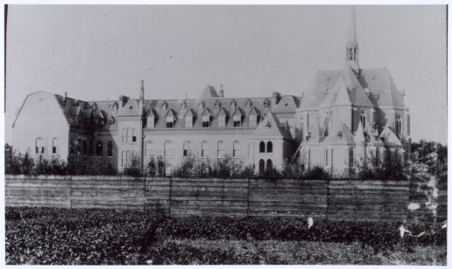016323 - Kloosters. Achterzijde missiehuis van de missionarissen van het H. Hart (Rooi Harten).