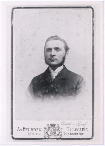 004517 - Cornelis Franciscus van HOOF (Tilburg 1861-1952), architect, zoon van Johannes van Hoof en Johanna Maria Becx.  Zie ook foto 4520. (reproductie; origineel niet in collectie aanwezig)