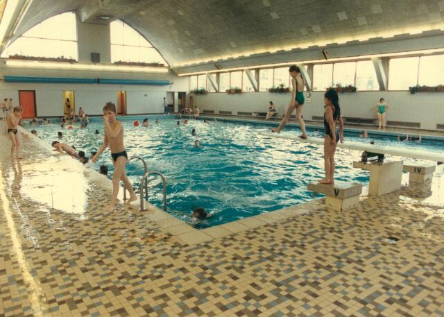 064792 - Sport. Interieur zwembad aan de Ringbaan-West
