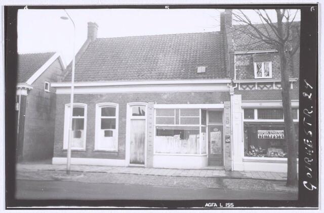 019055 - Pand Goirkestraat 24. Aanvankelijk een woonhuis zonder winkel van Nicolaas Smulders - Heerkens. Later werd het gekocht door Jan Smid - Van Ham. Smid zelf was medefirmant van de firma Johan Smid, glas- en verfhandel annex schildersbedrijf.