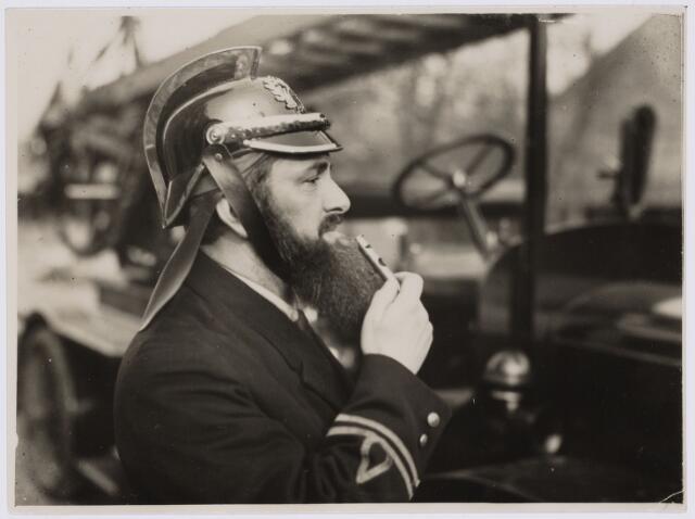 103619 - Brandweer. Brandweercommandant Esbach.