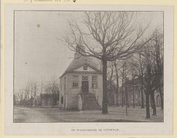 074384 - Het oude raadhuis met de vrijheidsboom op de Lind te Oisterwijk. uit  Kath. Illustratie 31e jaargang nr. 35.