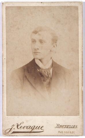 005368 - Hendrikus (Henri) Petrus van de PAS (Tilburg1875-1914), banketbakker hoek Zomerstraat/Nieuwlandstraat. Zie ook fotonr. 5366