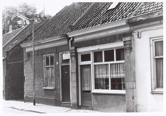 017165 - Panden Capucijnenstraat 169 (rechts) en 171 (links) anno 1972