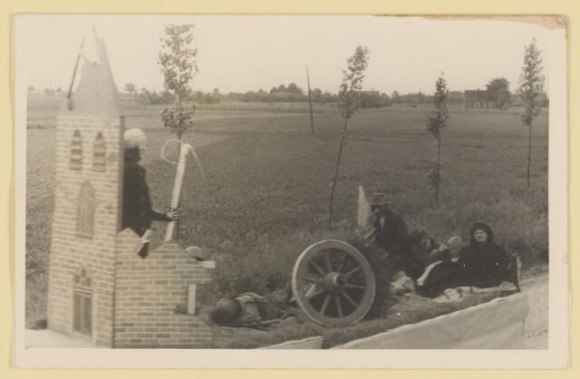 080838 - WOII; WO2; Bevrijding Udenhout 1945. De optocht.