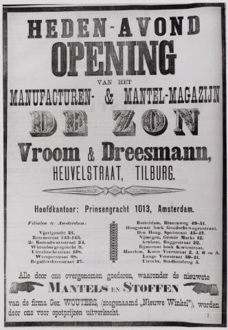 """040772 - Openingsaffiche in Tilburgse Courant van Vroom en Dreesmann """"Warenhuis De Zon'' in de Heuvelstraat voorheen 'De Nieuwe Winkel ' Gez. Wouters."""
