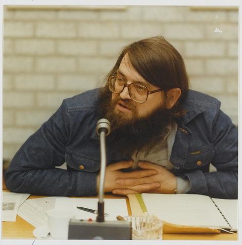 072222 - Jan Eijsermans geboren in 1940, oprichter van het Goirles Nieuwsblad in 1968 en politiek actief in zijn geboortedorp. In 1970 wist hij de links partijen in zijn dorp te vereniging in het PAK: het Progressief Akkoord. Binnen de gemeenteraad van Goirle bracht hij het tot wethouder. In de periode 1964-1968 was hij lid van het landelijk partijbestuur van het PSP.