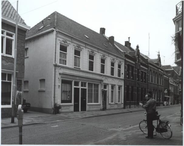027260 - Noordstraat 72-86. 86: v.d. Wouw