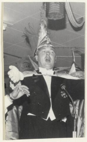 91123 - Made en Drimmelen. De nieuwe Prins Carnaval in Made in 1969 is Teun I