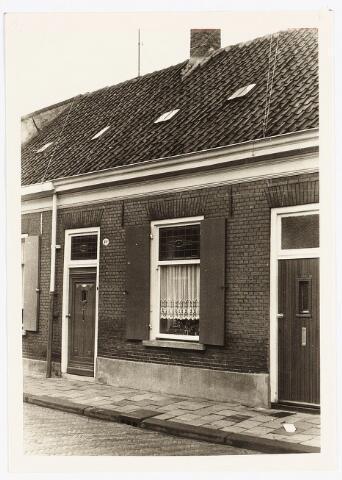 028121 - Woning aan de Veldstraat 49, thans Pastoor van Beurdenstraat. Woonhuis Guus (Gust) van de Sanden.