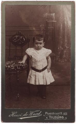 003888 - Marie JANSEN (1905- ) dochter van Johannes Nicolaas Jansen en Maria Catharina Burmanje (Kaatsheuvel 27 augustus 1866 - Tilburg 12 juni 1925)
