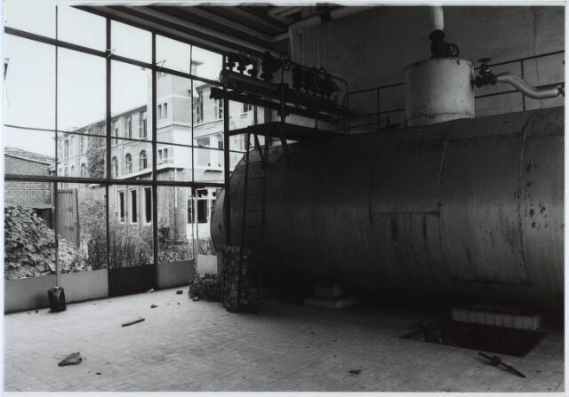 024425 - Textiel. Ketelhuis met stoomketel van Brouwers Lakenfabrieken aan de Korte Schijfstraat