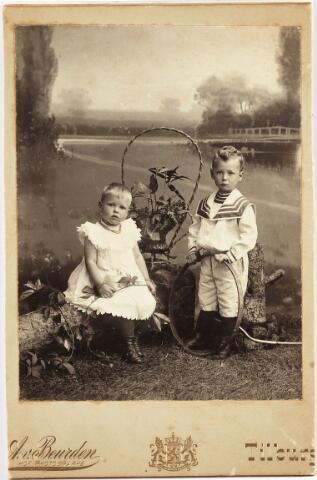 006469 - Norbert de Beer (1898-1964) Annie de Beer (1900-1965) kinderen van Lambert de Beer en Theresia de Beer-Eras.