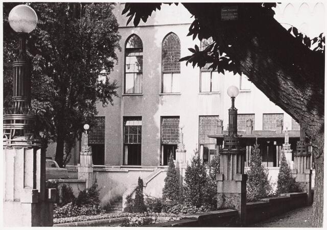 032201 - Paleis-Raadhuis aan het Stadhuisplein
