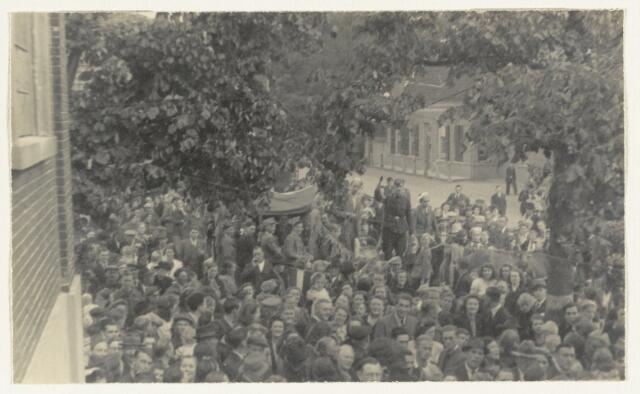 90875 - WOII; WO2: Made en Drimmelen. Bevrijdingsfeest 1945