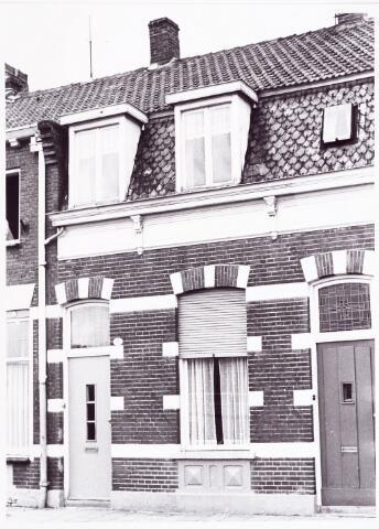 028009 - Voorgevel pand aan de Koningsstraat 33, thans Paleisring, rond 1946 bewoond door de familie Sparidans