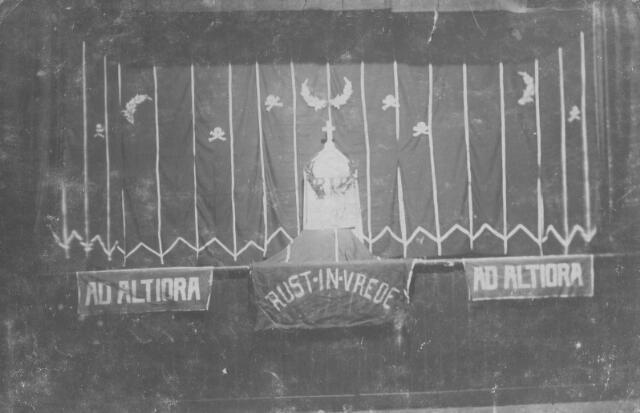 """065751 - Toneel. De katholieke toneelvereniging Ad Altiora, opgericht in de parochie Goirke in 1919, ging ter ziele in 1929. Enkele leden van deze vereniging richtten later toneelvereniging """"Het Noorden""""  op."""