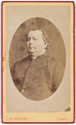 004434 - Kapelaan HEESBEEN van de parochie 't Goirke. Rond 1873 stond deze parochie onder leiding van Pastoor Deken Van de Ven met als kapelaans: Van Heesbeen, Crouwers en van Iersel. De parochie telde toen 5000 parochianen.
