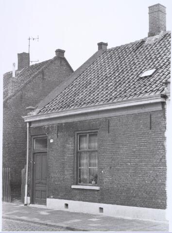 022536 - Pand Van Hogendorpstraat 77 in maart 1977