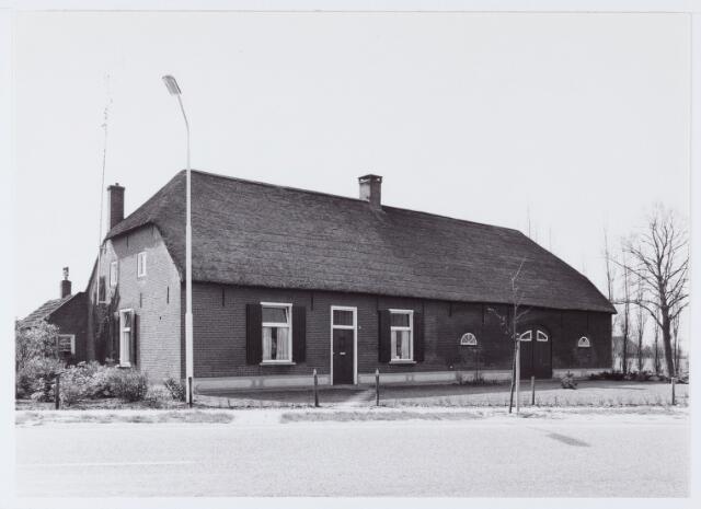 062754 - Landbouw. Boerderij aan de Heukelomseweg 14
