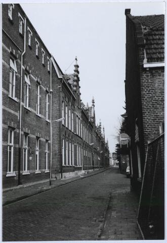 027535 - De Oude Dijk gezien vanuit de Nieuwstraat.