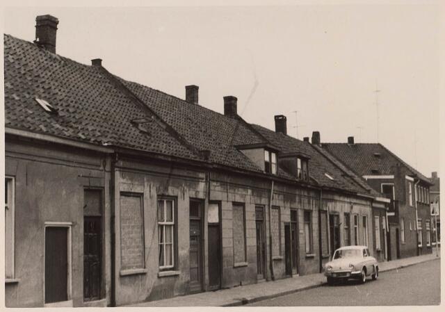024145 - Slooppanden in de Prinses Sophiastraat anno 1962