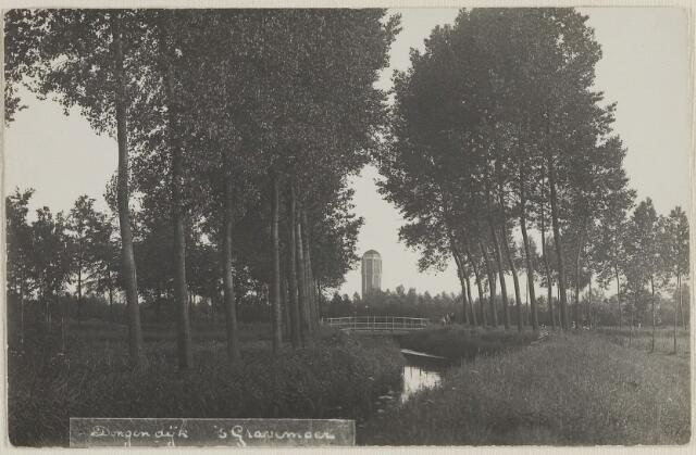 058488 - Gezicht op de Donge met watertoren te Dongen op de achtergrond.