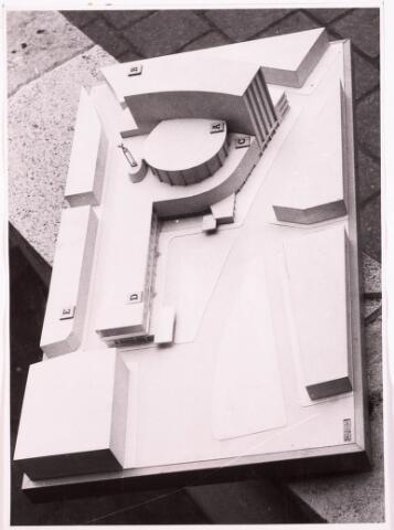 035546 - Maquette. Schouwburg aan het Stadhuisplein