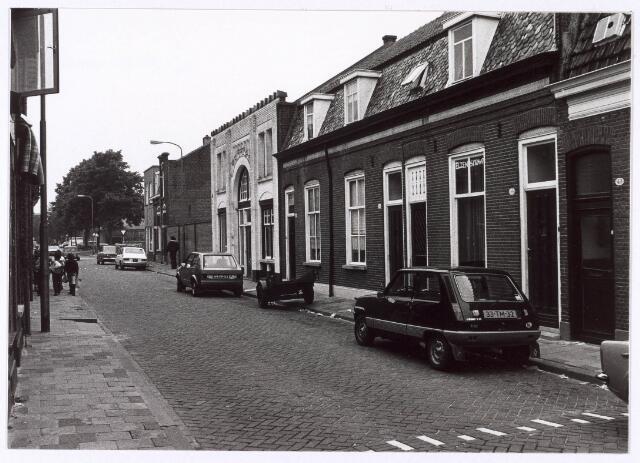 018124 - Elzenstraat bezien in de richting van de St.-Ceciliastraat
