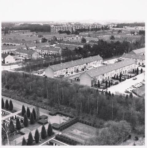036492 - Panorama van Tilburg vanaf de flat aan het Kwendelhof.