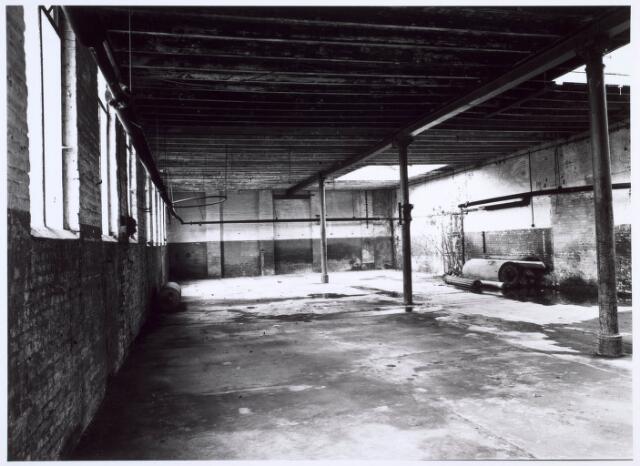 019256 - Interieur van een gebouw van de voormalige wollenstoffenfabriek C. Mommers