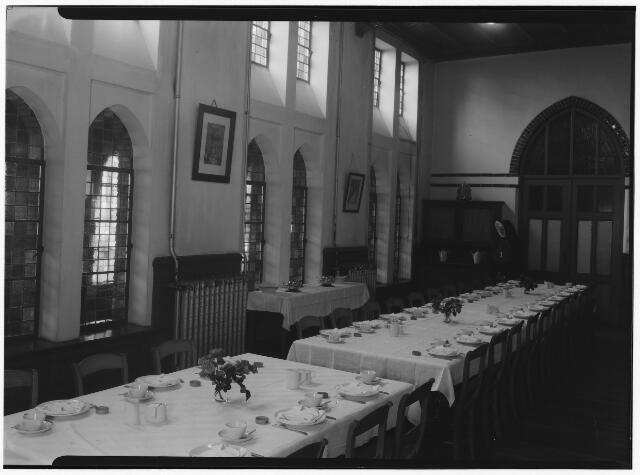050831 - Eetzaal in retraitehuis O.L.V. van het Cenakel.
