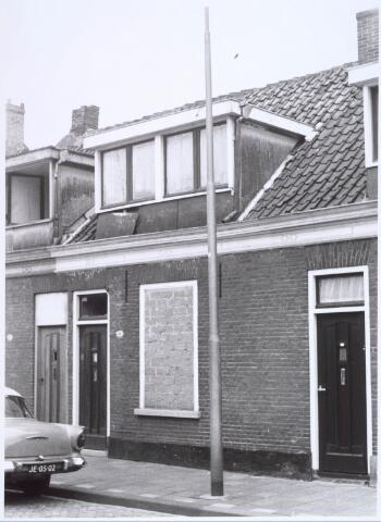 022528 - Slooppand aan de Van Hogendorpstraat in 1968
