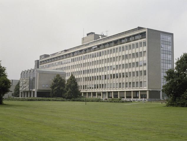 TLB023000085_001 - Maria Ziekenhuis, het latere ETZ TweeSteden Ziekenhuis. Foto gemaakt ter promotie van de medische  opleidingen en t.b.v. Onderwijsexpositie