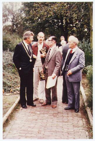 063567 - Op 21 oktober 1984 hielden de verzetstrijders een reunie in Bboerderij Denissen aan de Generaal Eisenhowerweg 1